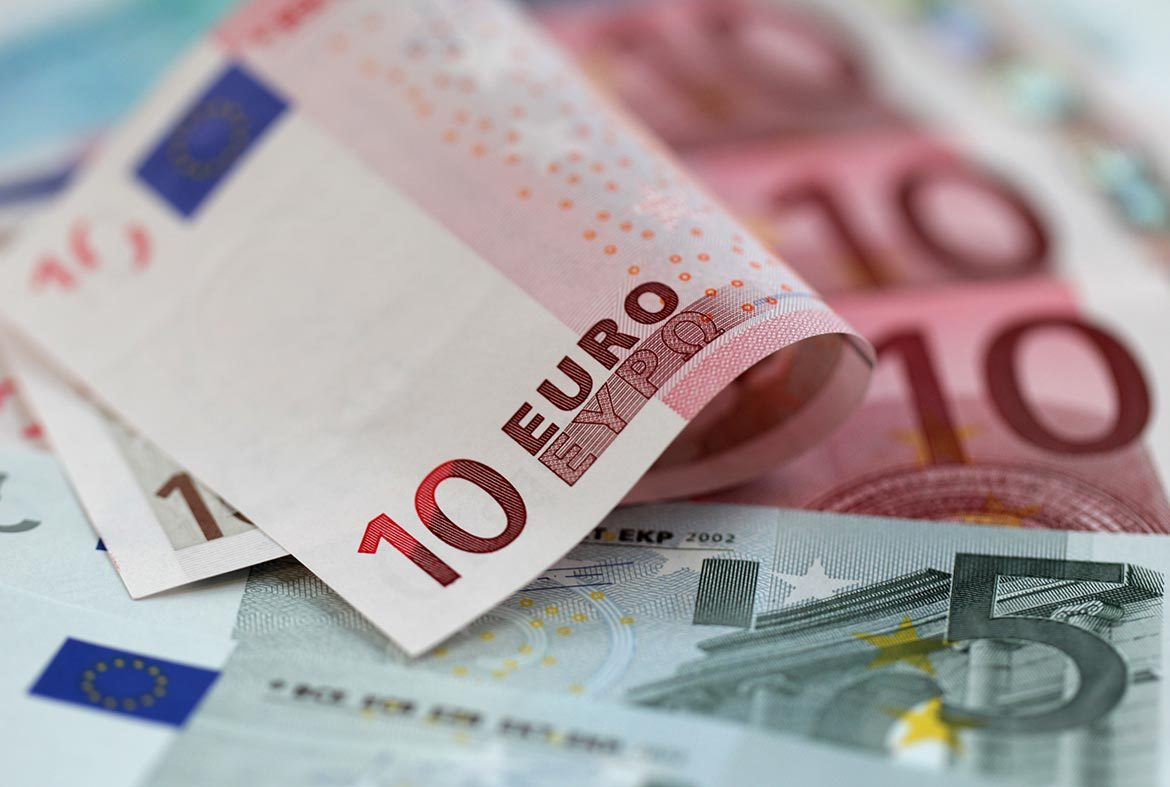 Currency of Montenegro, how much money to bring 67