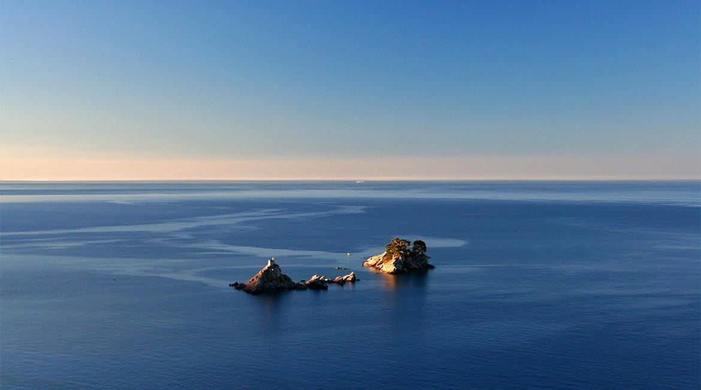 Katic i sveta nedjelja islands at Petrovac.