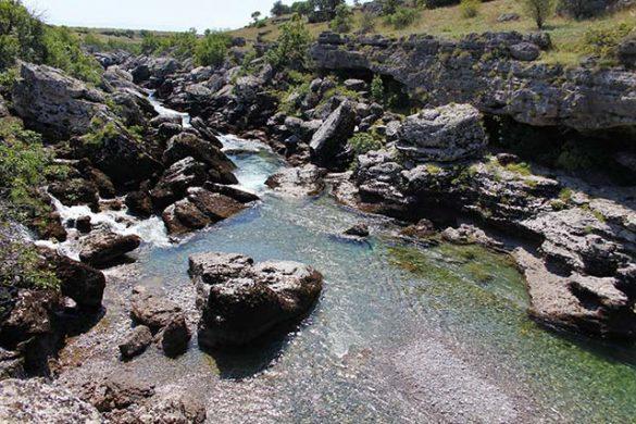 Cijevna river
