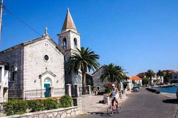 The village of Donja Lastva.